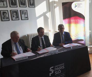 Signature de la convention de mécénat entre l'Université Paris-Sud et la FNBP